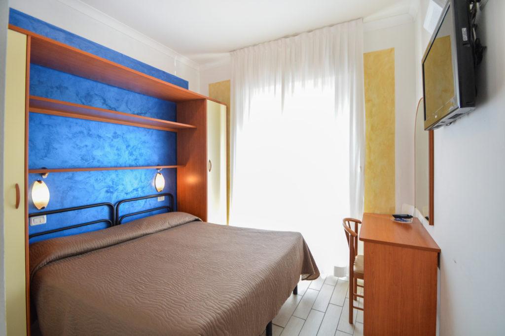 camera matrimoniale fronte mare junior suite hotel viking viserbella rimini