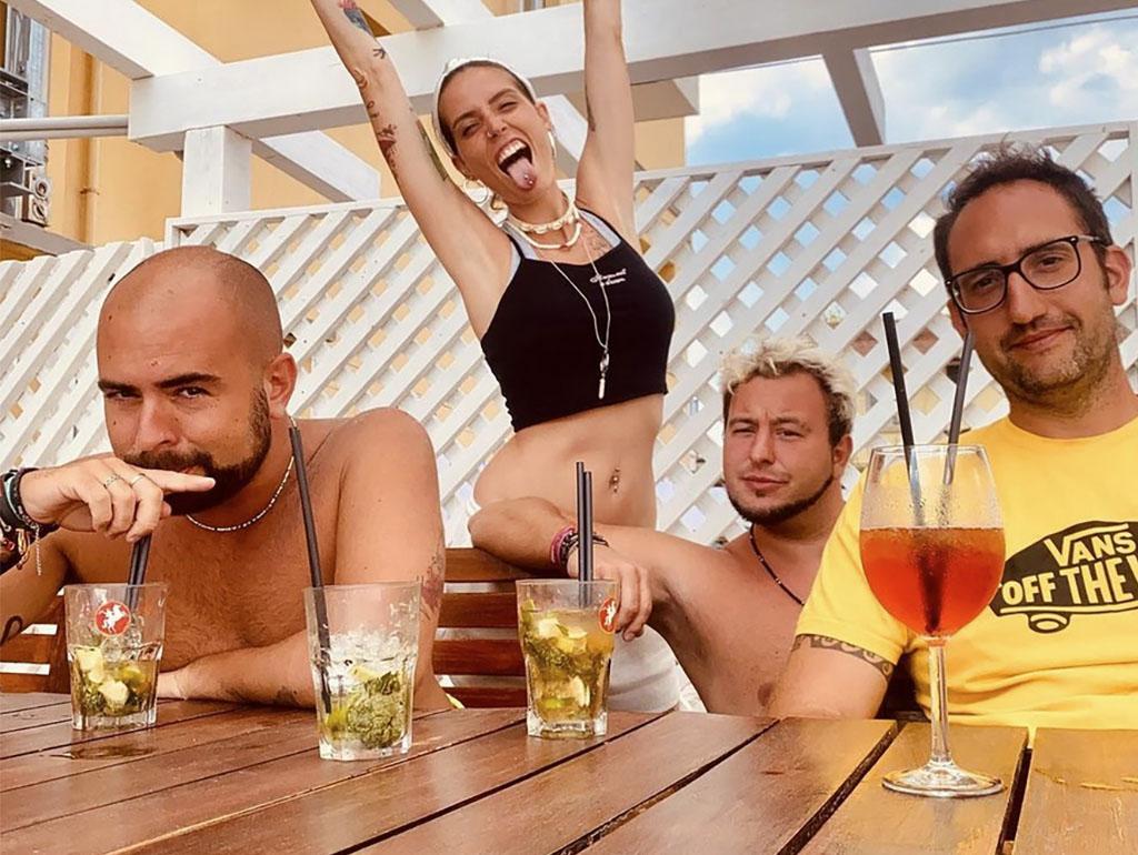 lasabrigamer amico.andre streetcere pikapalindromo piscina hotel viking