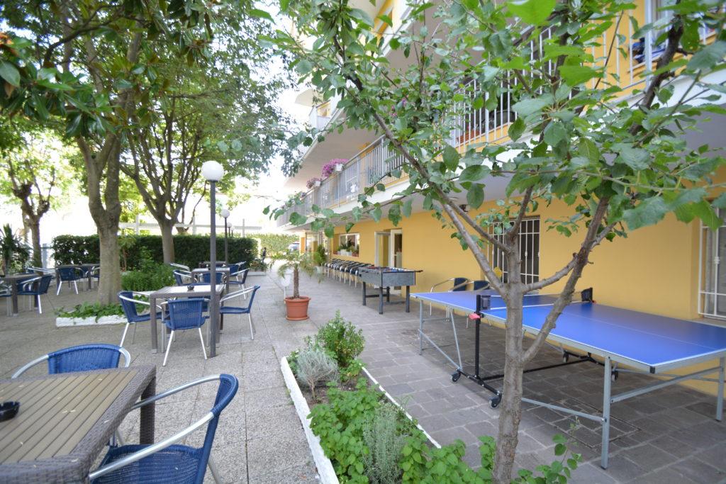 giardino visto da lato monte ping pong