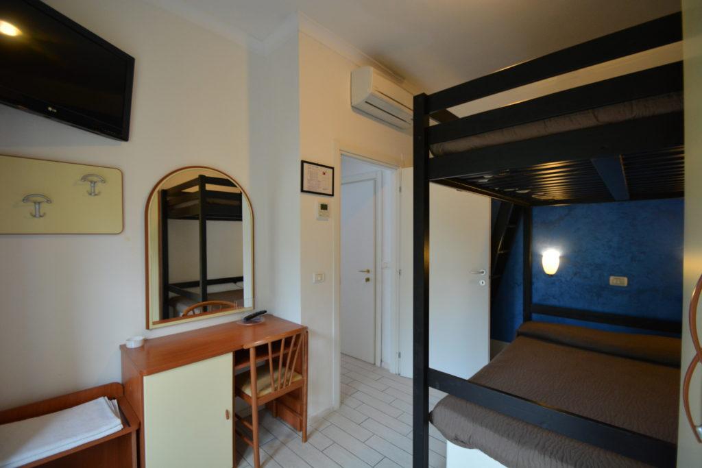 stanza bambini junior suite hotel viking rimini