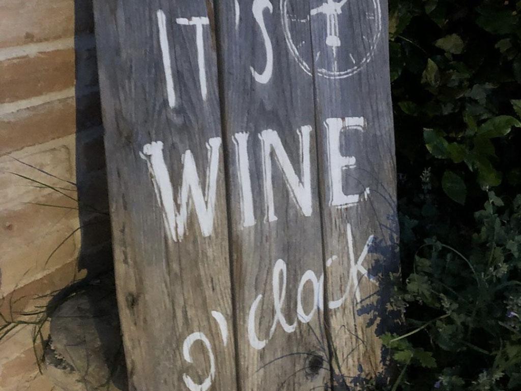 it's wine o'clock agricola i muretti